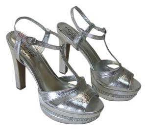 Kenneth Cole Size 9.00 M Very Good Condition Silver, Platforms
