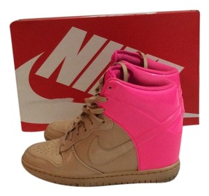 Nike Tan/hot Pink Athletic
