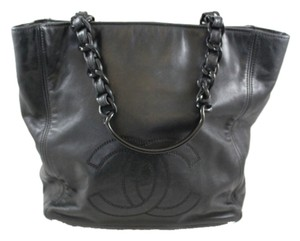 Chanel Vintage Leather Logo Lambskin Tote in Black