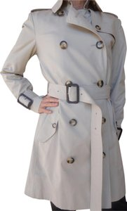 Burberry Trench White Trench Coat