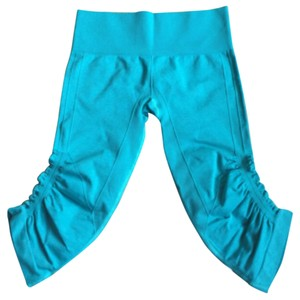 Lululemon New With Tags Lululemon In The Flow Crop II Teal Hctl Size 6