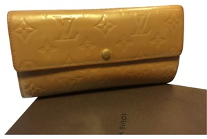 Louis Vuitton Sarah Wallet in Vernis