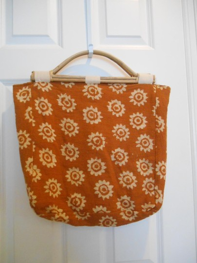 India Boho Knitting Purse Wooden Handles Satchel Large Burlap Lined Gold Brown Tan Amber Artsy Unique Earthy Burnt Amber Tote in Orangy-Brown-Gold with Cream Print
