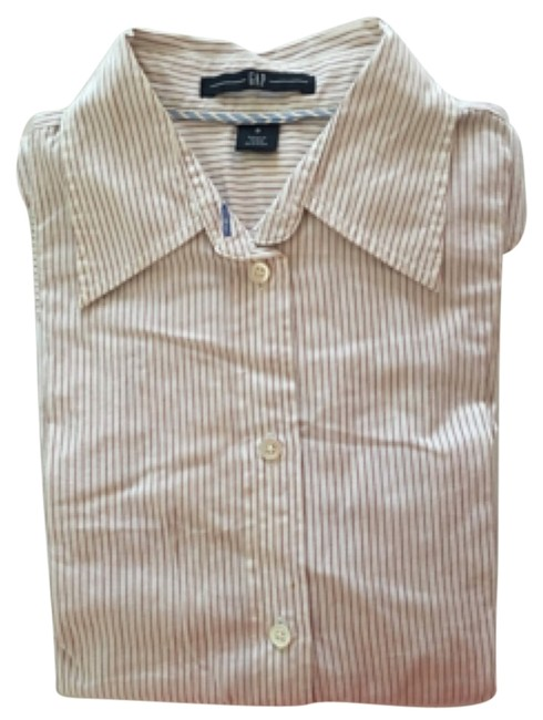 Preload https://item3.tradesy.com/images/gap-button-down-top-size-0-xs-10014937-0-1.jpg?width=400&height=650
