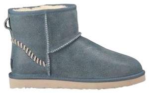 UGG Australia Gifts For Him Gift Ideas For Men What To Buy Men Winter Ski Gear Winter Gear Winter Men All Weather Blue Boots