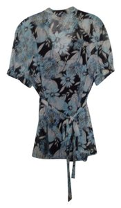 Apt. 9 Buttondown Cami Included Top blue and black print