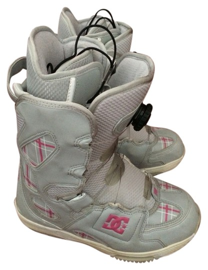 Preload https://item2.tradesy.com/images/dc-shoes-grey-and-pink-scout-snowboarding-bootsbooties-size-us-75-regular-m-b-1002221-0-0.jpg?width=440&height=440