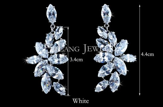 White Flower Marquise-cut Swiss Cubic Zirconia Diamond Necklaces and Earrings Jewelry Set