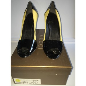 Gucci Yellow/black patent leather Pumps