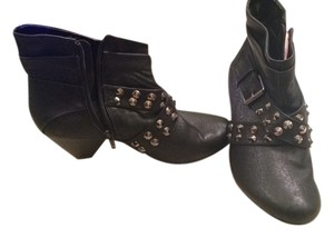 Rampage Cute Pleather Studded Adorable Sexy Edgy Black Boots
