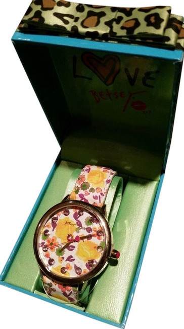 Item - Silver Tone White Multicolored Box And Flower New In Designer Watch