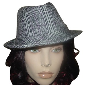 LuLu New LuLu fedora wool hat. Black/Ivory White