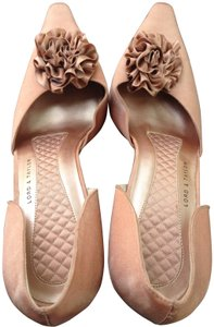 Lord & Taylor Blush Pumps