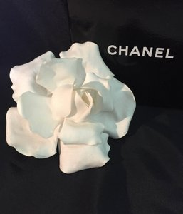 Chanel Authentic Vintage Large CHANEL White Linen Gardenia Flower Corsage Brooch