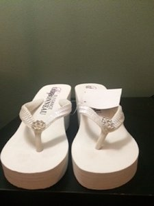 Elegance by Carbonneau White Wedges Size US 7 Regular (M, B)