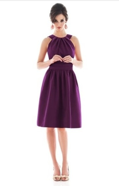 Item - Italian Plum Polyester Style D494 Traditional Bridesmaid/Mob Dress Size 4 (S)