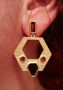Elie Tahari NWT Tahari Gold and Amber Earrings