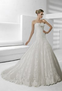 La Sposa Siglo Wedding Dress
