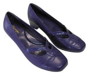 Classique Size 8.50 M New Excellent Condition Purple, Pumps