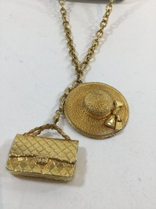 Chanel Chanel Gold Pendant Necklace