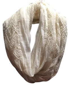 American Eagle Outfitters Infinty Scarf