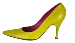 Bottega Veneta Crocodile Leather Size 37.5 Yellow Pumps
