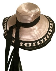 Olive Branch Floppy hat black and champagne