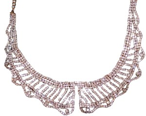 JEWELMINT Jewelmint Crystal Lace Collar with One Missing Crystal