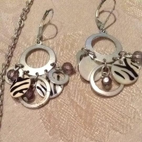 Other Vintage 70s Zebra Necklace Matching Earrings