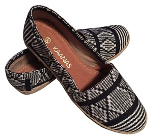 KAANAS Espadrille Striped Fabric Comfort Casual Pattern Slip-on Black and White Flats