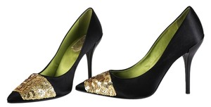 Roger Vivier Black/Gold Pumps