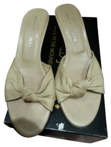 Donald J. Pliner Designer Couture Leather Italy Sand/Nappa Mules