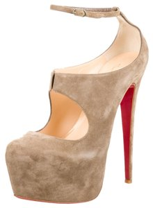 Christian Louboutin Tan Nude Suede Leather Stiletto Platform Hidden Platform Pump Ankle Ankle Strap Strappy 38 8 New Red Sole Daffodile Beige Boots