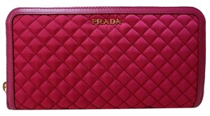 Prada Prada Wallet in Stitched Quilted Pattern Pink Ibisco Leather and Nylon