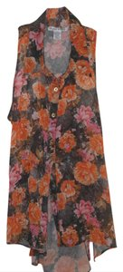 Rachael & Chloe Sleeveless Gold Button Button Front High Low Top Sheer Floral
