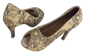 Wedding shoes White with silver diamond like stones Pumps