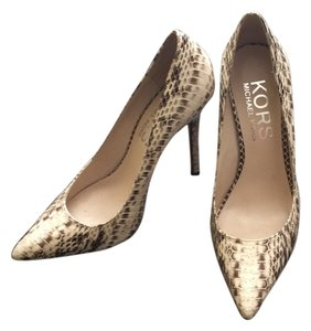 Michael Kors creamish, snake skin Pumps