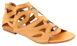 Cocobelle Edgy Leather Zippers Camel Sandals