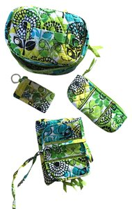 Vera Bradley 4- Piece Travel Accessory Set - RETIRED STYLE Lime's Up