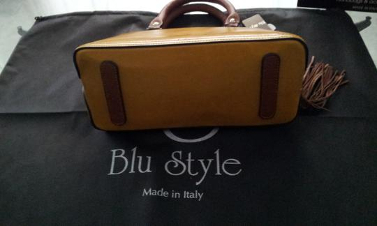 Blu Style Leather Tote in Ocra with Brown accents