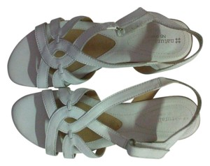 Natural Comfort white Sandals