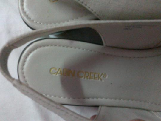 Cabin Creek beige Sandals