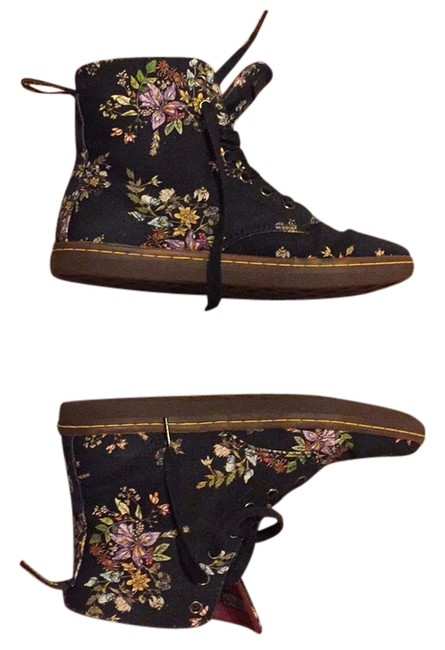 Item - Navy with Flower Print Hackney Boots/Booties Size US 8 Regular (M, B)