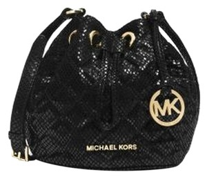 Michael Kors Jules Drawstring Embossed Leather Leather Cute Cross Body Bag