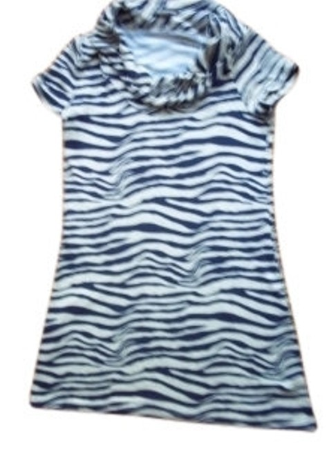 Preload https://item3.tradesy.com/images/forever-21-grayblue-zebra-print-above-knee-short-casual-dress-size-4-s-10102-0-0.jpg?width=400&height=650