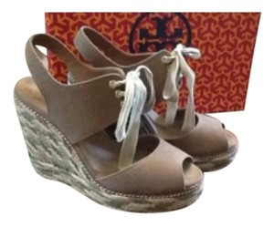 Tory Burch Tan & olive. Wedges