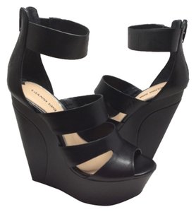 Gianni Bini Blac Wedges