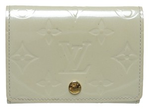 Louis Vuitton Vernis Coin Card Wristlet in Beige