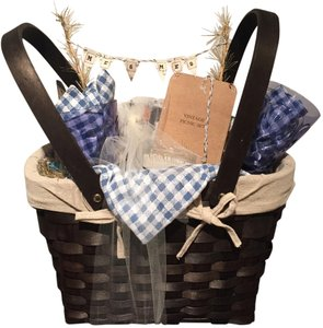 Boutique Designs Weave Picnic Basket with Glasses, Plates, Silverware and More