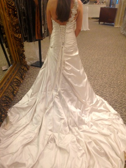 Maggie Sottero Pearl Savannah Formal Wedding Dress Size 12 (L)